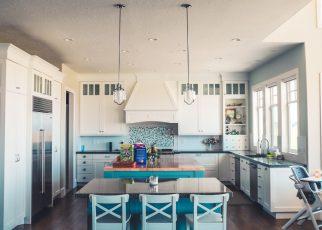 filtry kuchenne czy dzbanek filtracyjny - jaki sposób uzdatniania wody warto wybrać do kuchni?